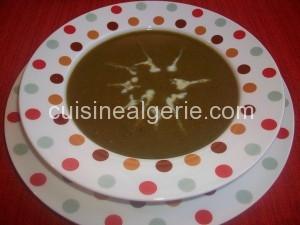 Soupe aux lentilles et épinards