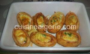 Pommes de terre farcies à l'œuf et crème fraîche