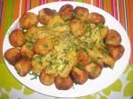 Boulettes de pomme de terre avec sauce au poulet mariné