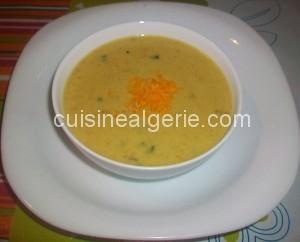 Soupe de légumes au lait et fromage