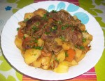 Viande d'agneau et pommes de terre en cocotte minute