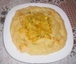 Purée de pommes de terre avec sauce au poulet