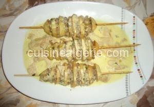 Brochettes  de pommes de terre et viande hachée