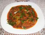Chien de mer en sauce tomate