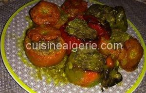 Poivrons et tomates farcis au four