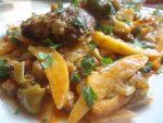 Pommes de terre et haricots verts en sauce