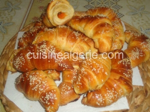 Croissants fourrés à la confiture