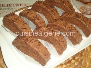 Biscuit roulé à la mousse au chocolat